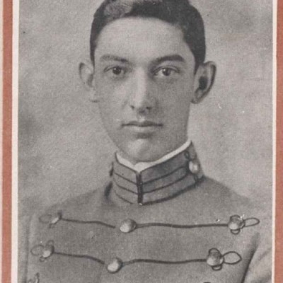 George Gravatt Coleman senior portrait from the 1916 Bugle.jpg