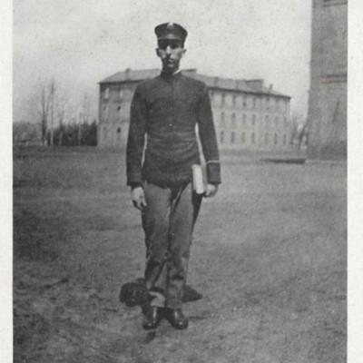 Douglas Darius Lester picture from the 1913 VPI Bugle.jpg