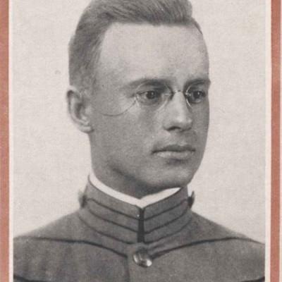 Clarence Bennett Whitney Jr. senior portrait from the 1916 Bugle.jpg