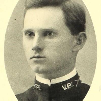 Otto Herman Weiss senior portrait from the 1909 VPI Bugle.jpg