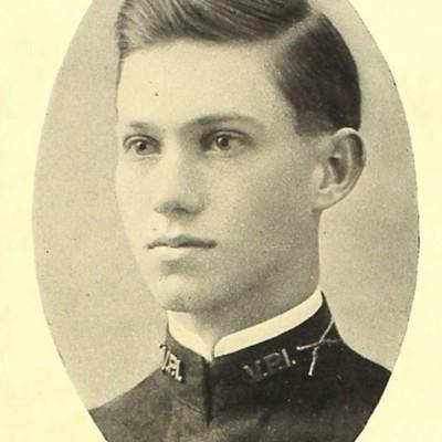 Frederick Miller senior portrait from the 1909 VPI Bugle.jpg