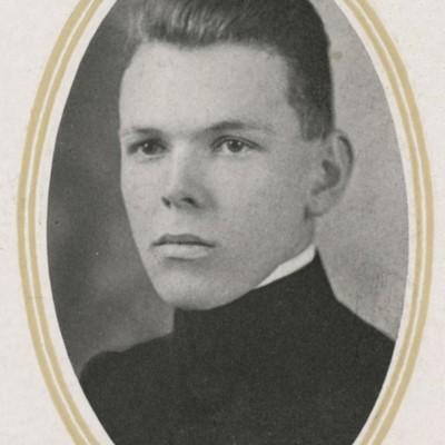 Robert Eoff portrait - VPI Class of 1918.jpg