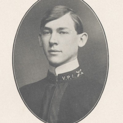 Carter Saunders senior portrait from the 1904 VPI Bugle.jpg