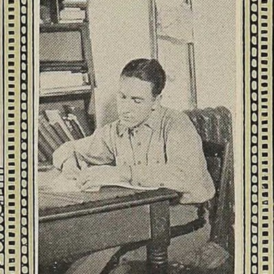 Stephen Kenneth Davis picture from the 1922 VPI Bugle.jpg