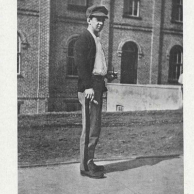 Charles Montgomery Hobart picture from the 1913 VPI Bugle.jpg