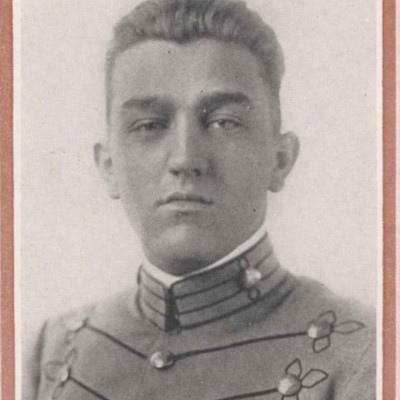 Harry J. Bopp senior portrait from the 1916 Bugle.jpg