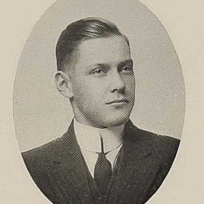 Henry Ashby Davenport senior portrait from the 1913 Roanoke High School yearbook.jpg