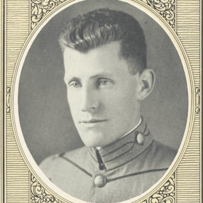 Thomas Ellyson Starnes portrait from the 1923 VPI Bugle.jpg