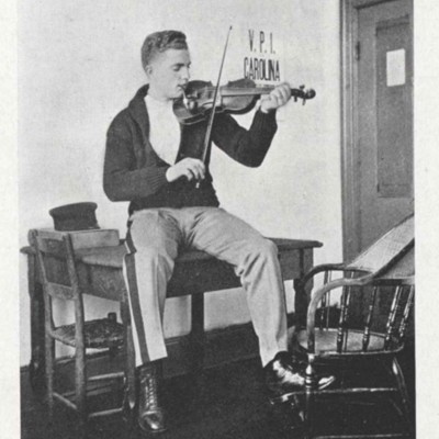Withrow Reynold Legge picture from the 1913 VPI Bugle.jpg