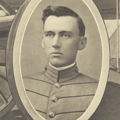 James Maury Morris senior portrait from the 1911 VPI Bugle.jpg