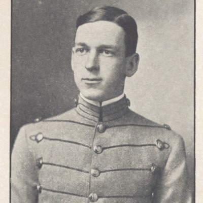 Robert Trigg Mosby Wade senior portrait from the 1910 VPI Bugle.jpg