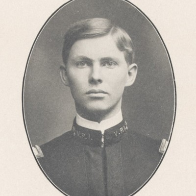 Michael Younger Heath senior portrait from the 1904 VPI Bugle.jpg