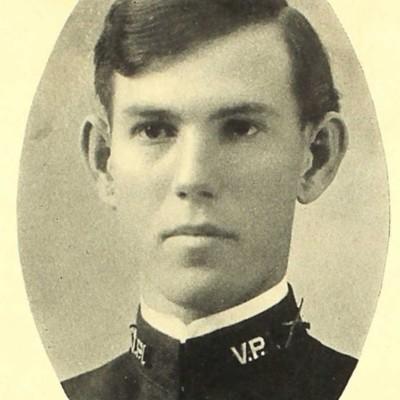 Benjamin Watkins LaPrade senior portrait from the 1909 VPI Bugle.jpg