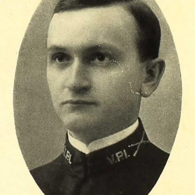John Walter Kelsey senior portrait from the 1909 VPI Bugle.jpg