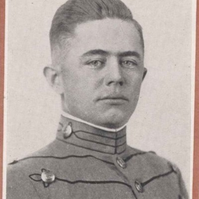 William L. Cogbill senior portrait from the 1916 Bugle.jpg