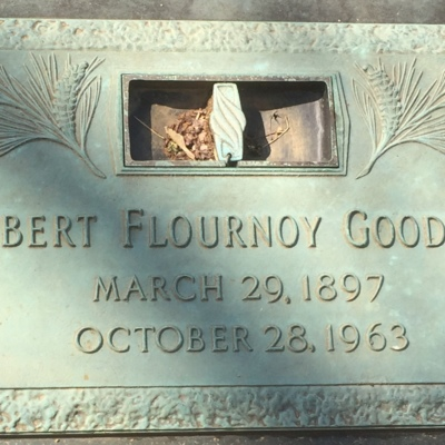 Robert Grave.jpg