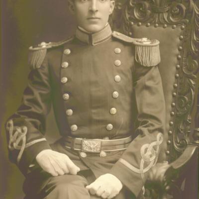 Second Lieutenant Lloyd W. Williams circa. 1909.jpg